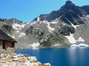 Questa mountain hut, Lago delle Portette Lake, ItalyQuesta mountain hut, Lago delle Portette Lake, Italy